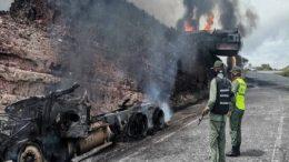 Gandola de gasolina incendiada