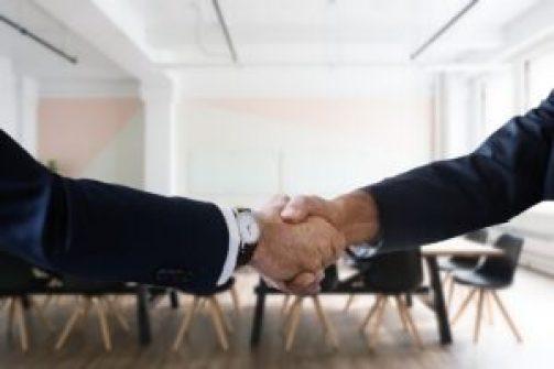 como se dar bem em uma entrevista de emprego