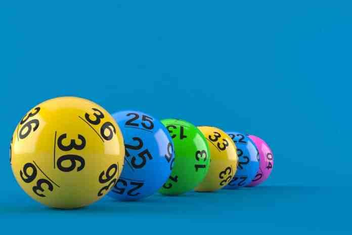 É possível fazer as apostas no prazo de uma hora antecedente ao sorteio, seja pelo site oficial ou nas casas lotéricas credenciadas