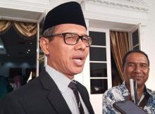 gobernador de Indonesia pide se elimine la biblia en su idioma