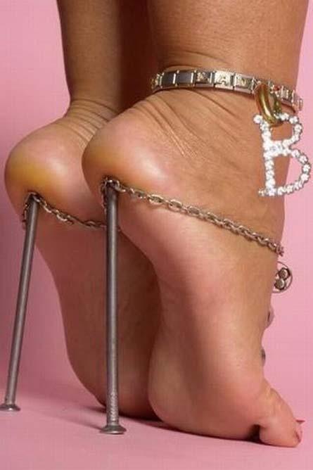Diseños extraños de zapatos