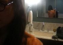5003d452a8da016f3ed02a6385cf54e8 - Espalda desnuda de Demi Moore recibe halagos en Twitter