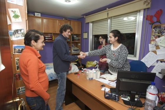 Usuarios del piso de acogida del comité ciudadano antisida de Ourense