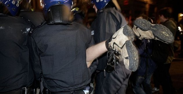 7c5847514b9d1d7a8d0c76ff28ff4011 - La policía desmantela el campamento de Occupy London