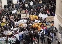 9be642f7225e5efa14b57559f92dbcc8 - Banderas republicanas en una manifestación en Palma contra la Monarquía