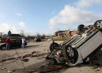 20de757c22c223669137e452488fb41e - Hallan a una niña a 16 kilómetros de su casa tras el paso de los tornados