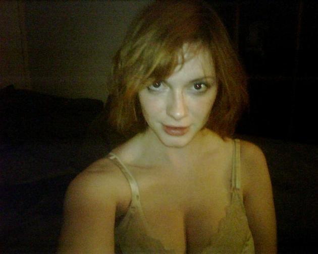 Una de las fotos robadas del móvil de Christrina Hendricks.