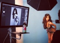 ef60364f224305d0b9f19741ec3fdf58 - Kim Kardashian posa sensual en lencería