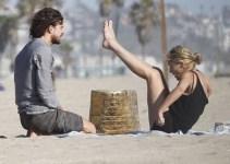 5504e4c1860e26ef6bda39b0d173988a - Sharon Stone, feliz con su novio argentino en la playa