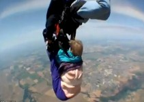 9b8672ec3a51fee82974eaafb27e83e2 - Una anciana vive su experiencia más traumática al tirarse en paracaídas