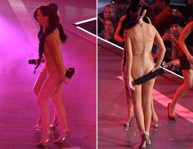 katy4 - Katy Perry se incómodo con su vestuario durante una entrega de premios