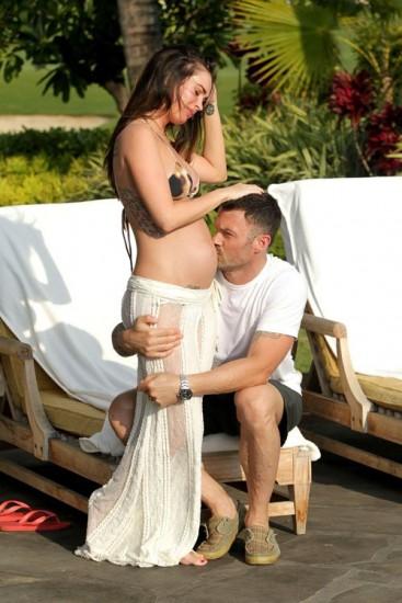megan4 - Momentos de ternura entre Megan Fox y su marido