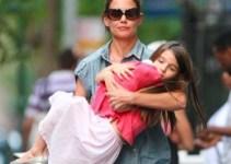 bb31b678e7f8ef3e9bcb413773eaa08f - La ex de Tom Cruise y su hija sufrieron un accidente