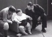 e0fb5ec07d7847cd287eb03b12387f0a - La primera filmación de un niño obeso, de tres años, en 1935