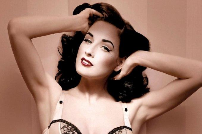 stripe5 - Los 7 famosos de Hollywood que fueron strippers