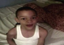 67b9d2b889d8e545ea38fde77a7b1267 - #Video Niño se tragó un pito y le suena cuando se ríe