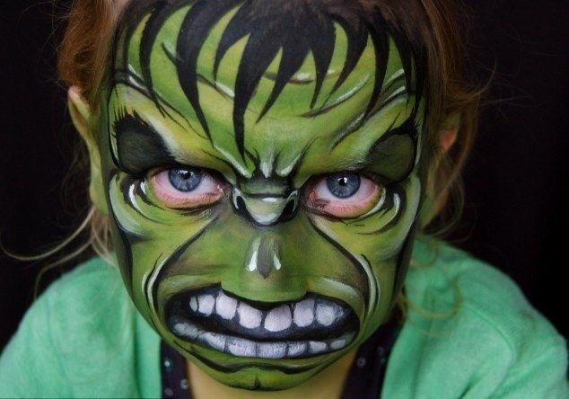 fc2fcece1904b34527bea4b57de71031 - Madre crea arte en las caras de sus hijas