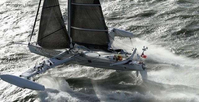 920314c6cfdd63891f5664aca390f444 - L'Hydroptère: el velero más rápido del mundo no surca el mar sino vuela