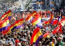 d00a29dd85b2cb5422a2126e53c83a83 - #Video Miles de españoles piden la instauración de la III República Española