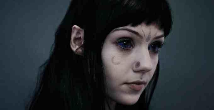 320ef928b349440b7a3f751a4adc1c63 - Grace Neutral la chica que se cree una extraterrestre