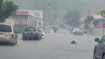 Reportan carreteras inundadas en San Juan (Ampliación)