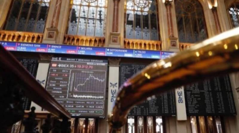 El Ibex 35 sube un 0,35% a pesar de la banca mediana