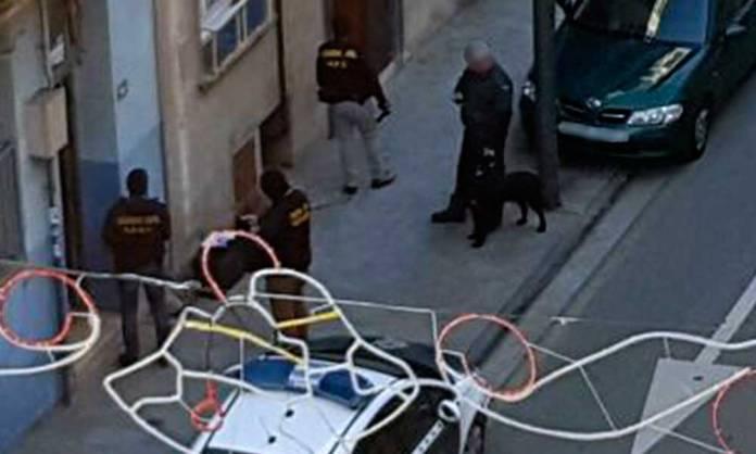 Operación policial en marcha en el Paseo de la Constitución de Arnedo