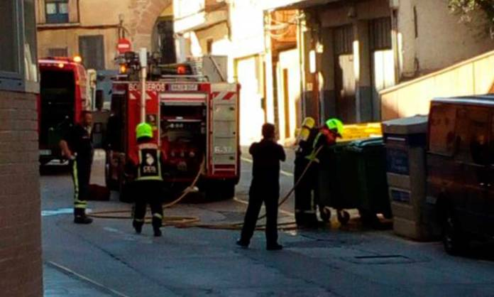 Bomberos del CEIS Rioja apagan un contacto de incendio en Arnedo