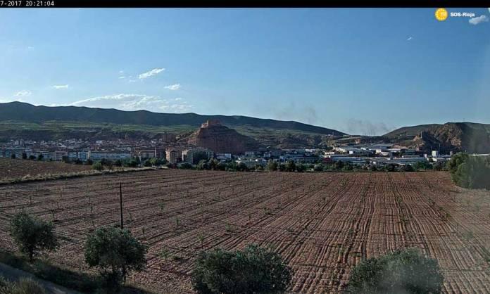 20:21h Cámara Web de SOS Rioja capta el humo del incendio