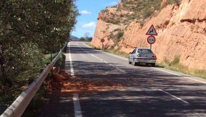 Desprendimientos ya retirados en la LR-115 entre Arnedo y Herce