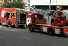 (archivo) Bomberos del CEIS en la Calle Huertas de Arnedo