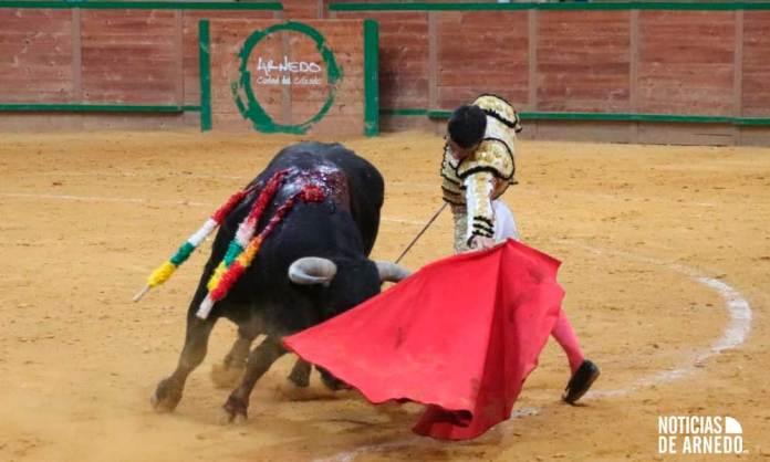 El novillo'Clarinete' para Juan Carlos Carballo en el Arnedo Arena