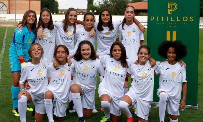 Equipo femenino de Fútbol 8 de la Escuela de Fútbol de Arnedo en 2019