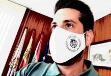 Imagen publicada por García en sus RRSS con el sello de Alcalde de Arnedo en una mascarilla personalizada