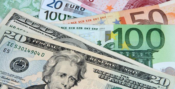 El dólar cae ante el euro tras los débiles datos de empleo