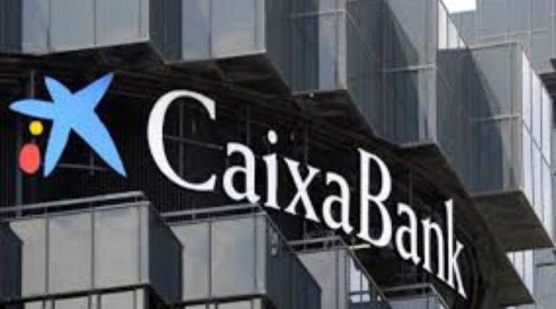 CaixaBank ganó un 52% menos por los costes del ERE