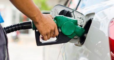 Estas vacaciones la gasolina cuesta un 21% más que hace un año