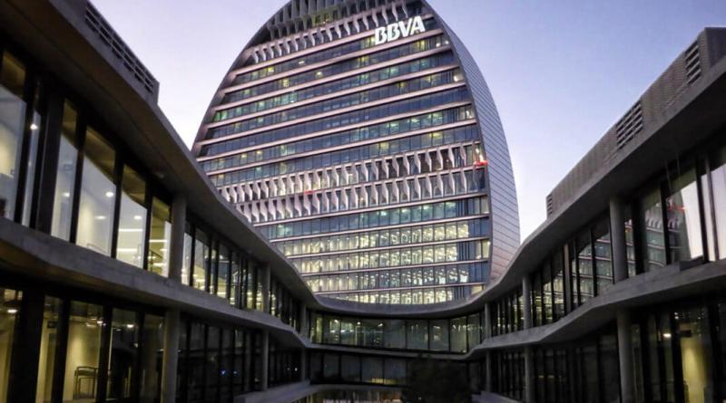 BBVA pierde 2.084 millones en el semestre