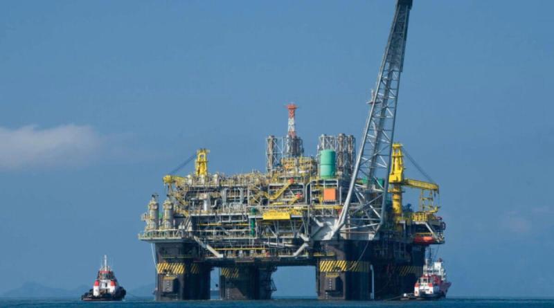 El petróleo Brent tocó este lunes un nuevo máximo anual
