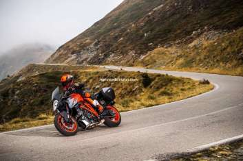 KTM 1290 SUPER DUKE GT MY 2018 (2