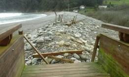 Daños en la playa de la Concha de Artedo, en Cudillero