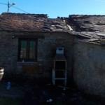 Incendio en una casa rural en Vilarmayor, en Grandas de Salime