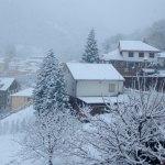 Más de una veintena de carreteras con problemas por la nieve en el Occidente asturiano