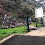 Los desprendimientos obligan a cerrar la depuradora de Cudillero por seguridad de los trabajadores