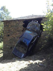 Accidente de tráfico en Las Fraguas, en Cangas del Narcea 3