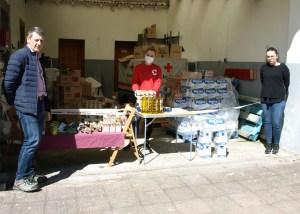 Ayuntamiento de Tineo y Cruz Roja entregan ayuda alimentaria a 40 familias 1