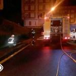 El incendio en un garaje obliga a desalojar a 89 vecinos en Navia