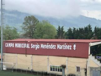 homenaje sergio menendez tineo campo de futbo02