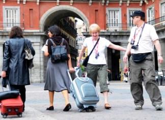 turistas-en-madrid-plaza-mayor