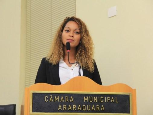 Thainara Faria (PT) durante fala na tribuna   Foto: Assessoria de Imprensa Câmara Municipal de Araraquara